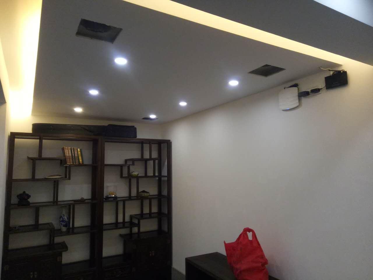 家装筒灯和射灯的区别