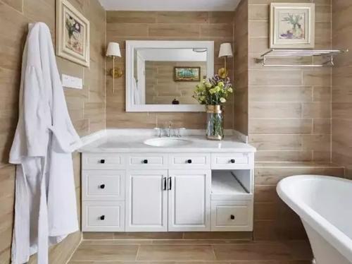 """卫生间防""""水逆"""",一定要选好浴室柜"""