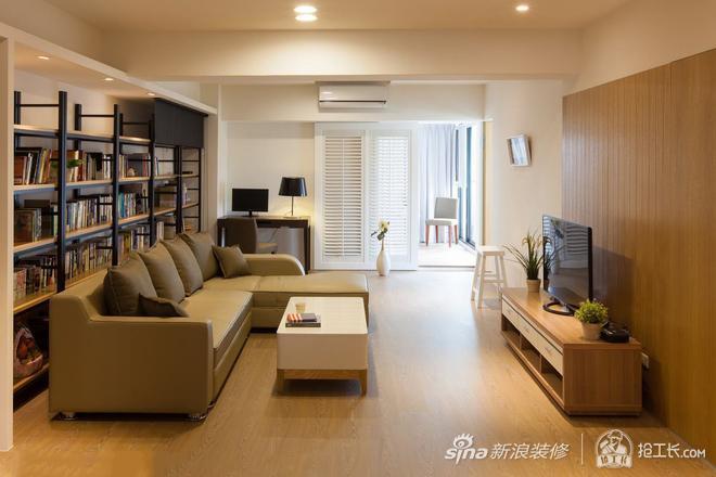 原木色客厅简单温馨