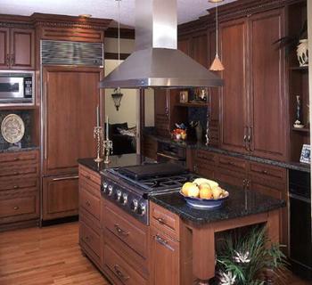 厨房实木橱柜用什么木材图片