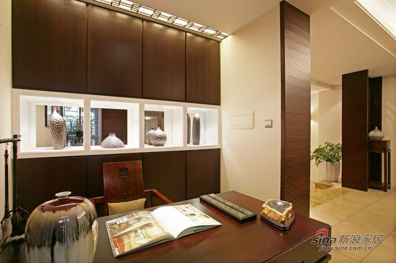 中式 三居 书房图片来自装修微日记在【高清】178平中式古典主义大气3居46的分享
