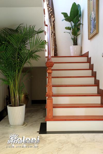 欧式 别墅 楼梯图片来自用户2557013183在达观别墅13的分享