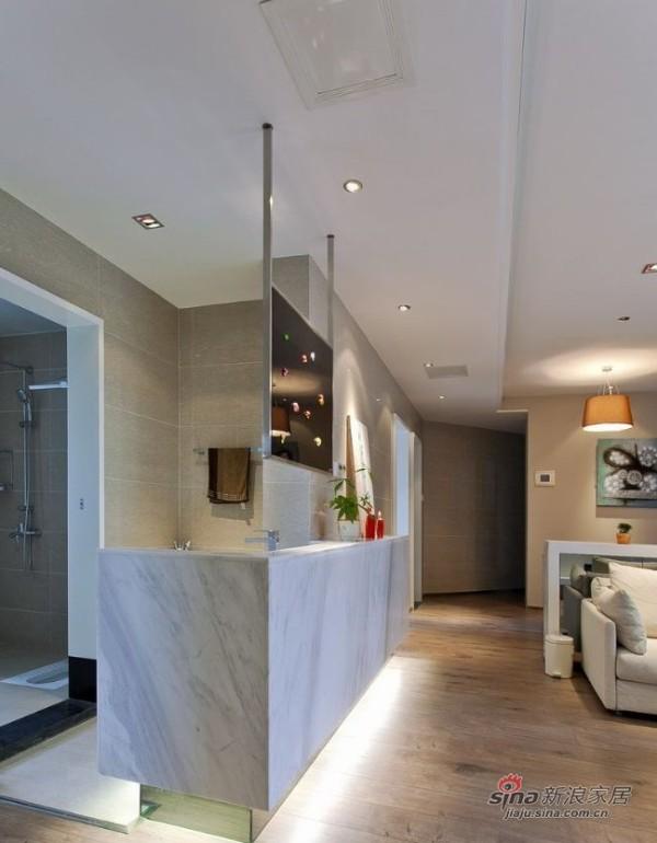 客厅和卫生间的分隔