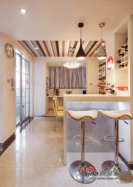 简约 二居 餐厅图片来自用户2745807237在4.5万改造85平现代简约婚房93的分享