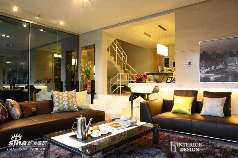 简约 一居 客厅图片来自用户2737950087在上海沿海丽水馨亭--淡雅的白色简约51的分享