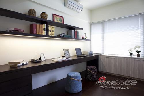 简约 四居 书房图片来自用户2738845145在简约不失大气之家34的分享