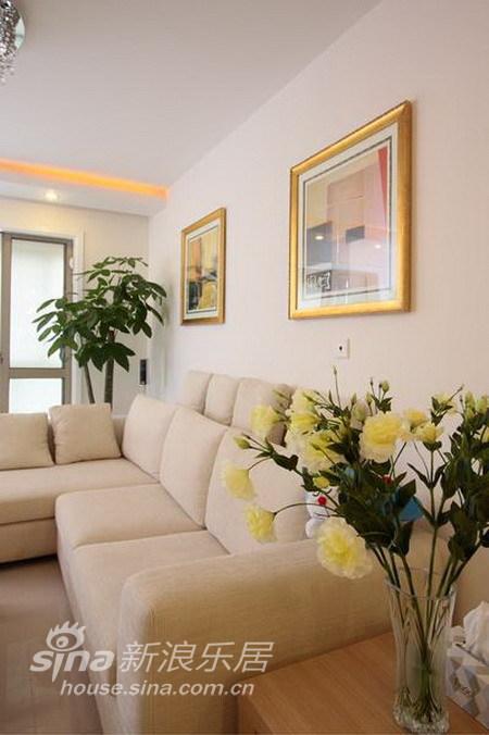 简约 二居 客厅图片来自用户2738093703在打造110平米简约的夏日时尚空间 温馨而浪漫36的分享