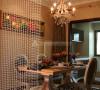 餐厅旁的水晶帘