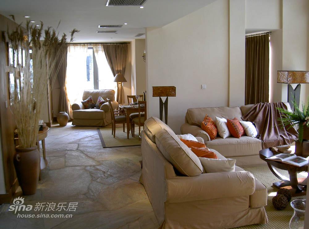 欧式 跃层 客厅图片来自用户2746889121在轻舟-神仙生活天堂之家98的分享