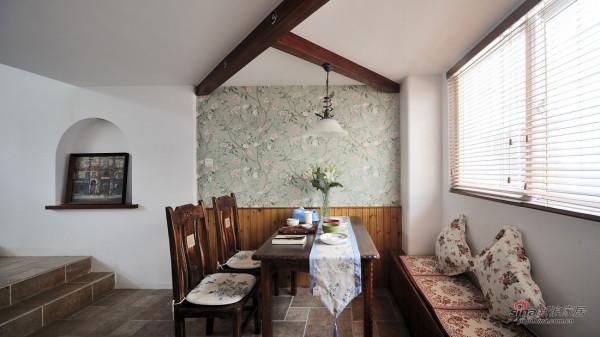 碎花小餐厅,小纱窗,配上柔和的光线,完美