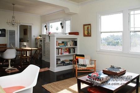 简约 一居 客厅图片来自用户2738093703在女强人的波西米亚自由公寓21的分享