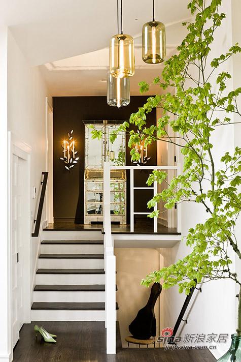 简约 二居 楼梯图片来自用户2739081033在文艺女7万装98平春色满园三居84的分享