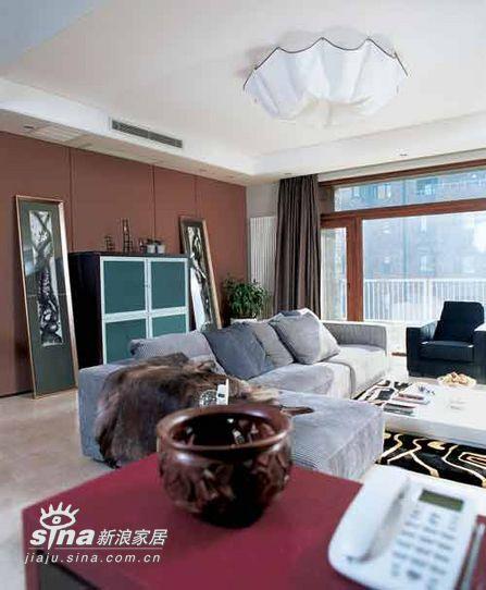 简约 四居 客厅图片来自用户2557010253在神秘紫色营造浪漫居室52的分享