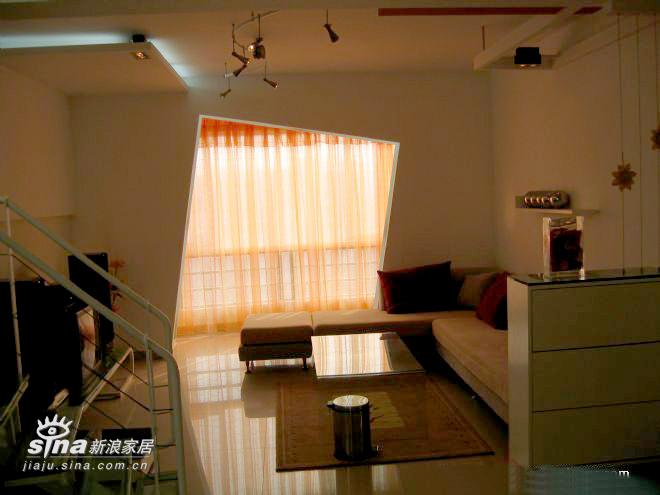 简约 跃层 客厅图片来自用户2559456651在孙先生家实景照片54的分享