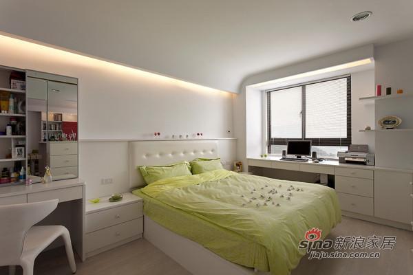 简约 二居 卧室图片来自用户2738820801在98平米温馨简约风格阳光美居63的分享
