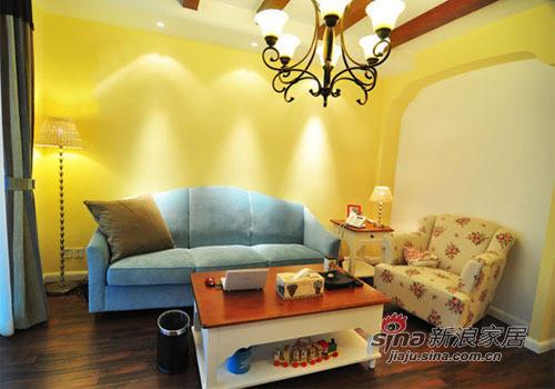 金黄的灯光和墙壁给人向日葵的温暖的感觉