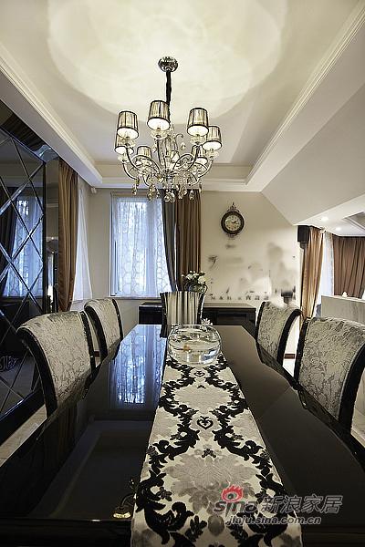 混搭 三居 餐厅图片来自装修微日记在【高清】165平后现代古典混搭时尚3居室17的分享