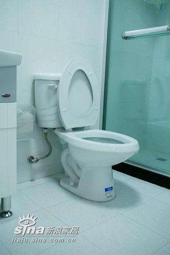 简约 二居 卫生间图片来自用户2738845145在5万元打造的温带馨阁楼小家82的分享