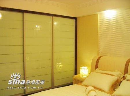 简约 复式 卧室图片来自用户2737950087在花两年收入装修独具品味小复式13的分享