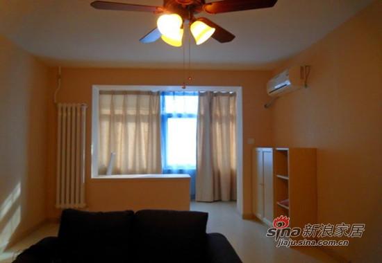 简约 一居 客厅图片来自用户2745807237在3万全包47平阳光房 一个人的地老天荒35的分享