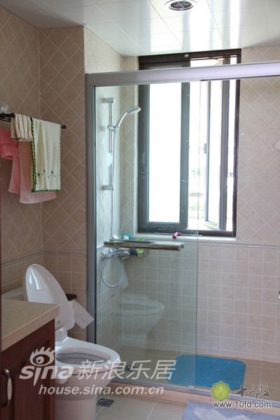 浴缸换成了淋浴房