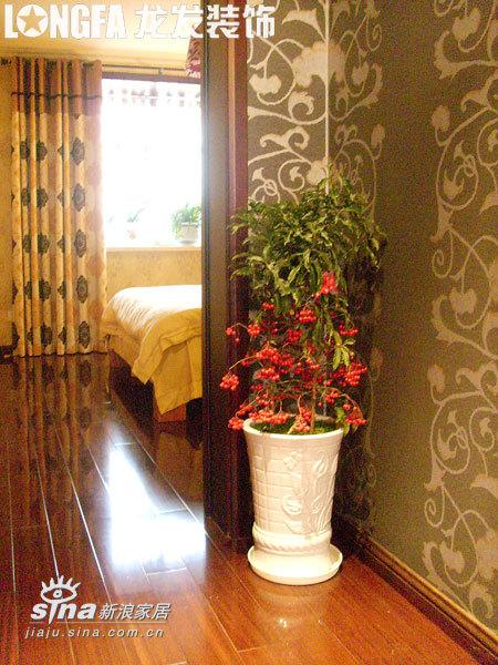 欧式 跃层 卧室图片来自用户2745758987在简欧风格之经典跃层95的分享