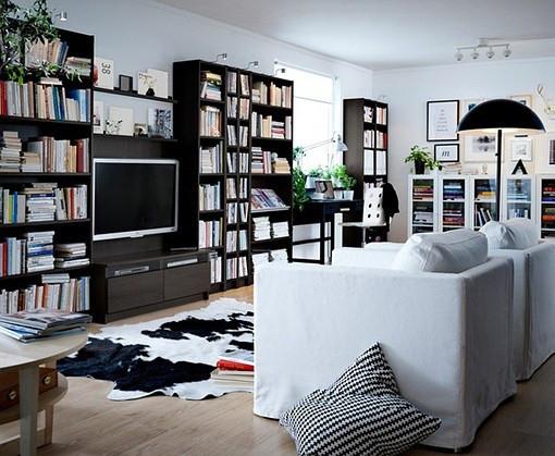 小户型用这种组合电视柜的确可以节省不少空间,电视墙神马的太奢侈了。