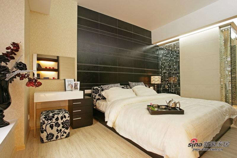 简约 二居 卧室图片来自用户2738845145在5.8万巧装简约时尚二居室48的分享