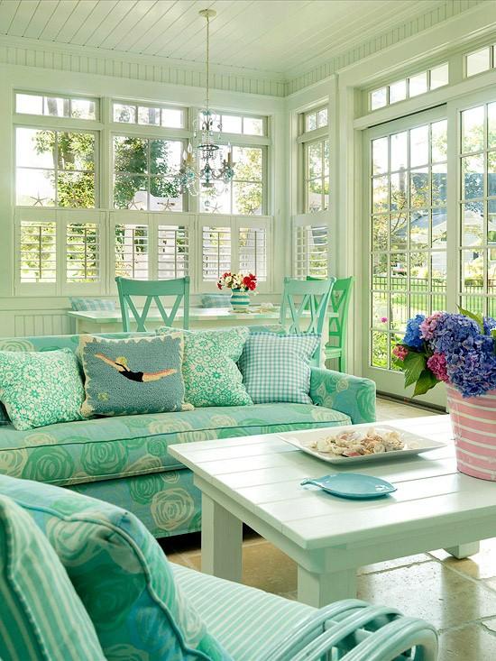 客厅 沙发 茶几 北欧 宜家 糖果色图片来自用户2771736967在屌丝变文艺 11款极具文艺时尚气息的客厅的分享