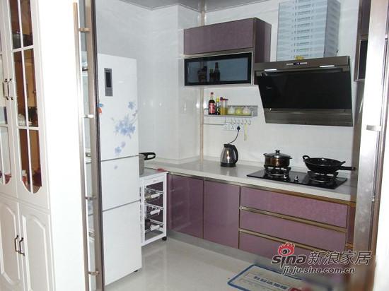 紫色的橱柜,大理石的界面不容易脏