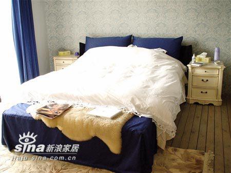 简约 二居 卧室图片来自用户2739378857在时尚卧室装修55的分享