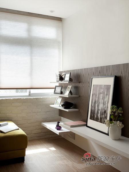 简约 二居 客厅图片来自佰辰生活装饰在75平现代原木情调简约风家74的分享