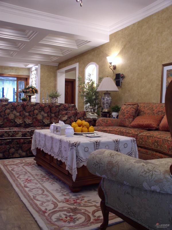 美式家具的材质以白橡木、桃花心木、或樱桃
