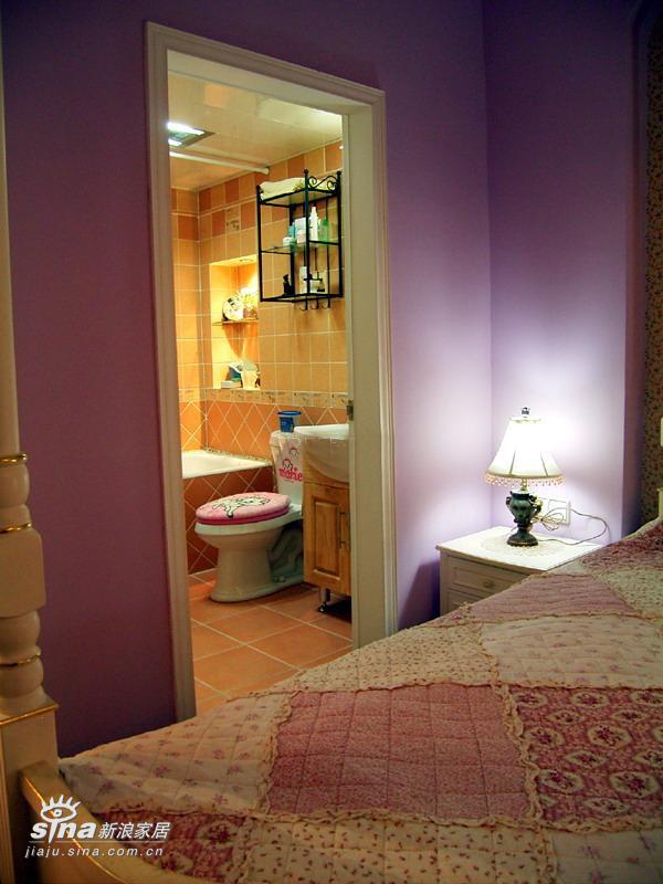 简约 二居 卫生间图片来自用户2739378857在90平方两房 12万装精致芭比小筑(5)69的分享