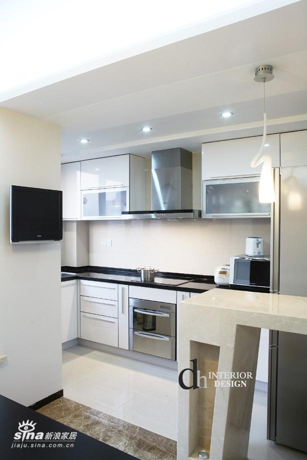 简约 二居 客厅图片来自用户2556216825在上海春申景城--黑+白的经典演绎30的分享