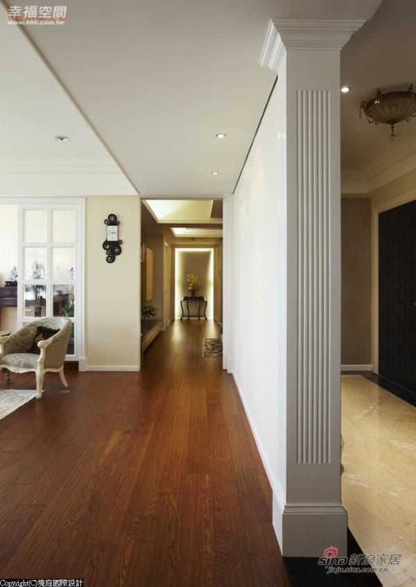 气质典雅的造型墙,界定玄关与厅堂