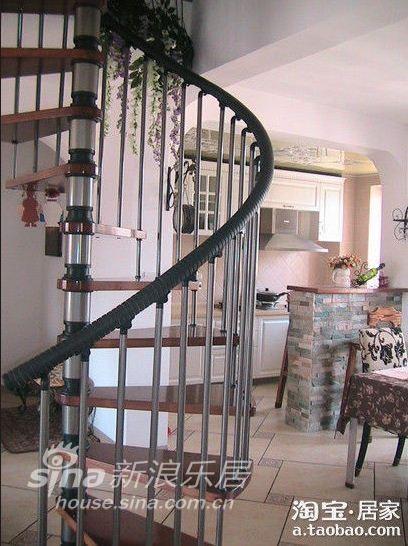 简约 三居 客厅图片来自用户2739153147在大爱简欧油画风 打造三房两厅带阁楼96的分享