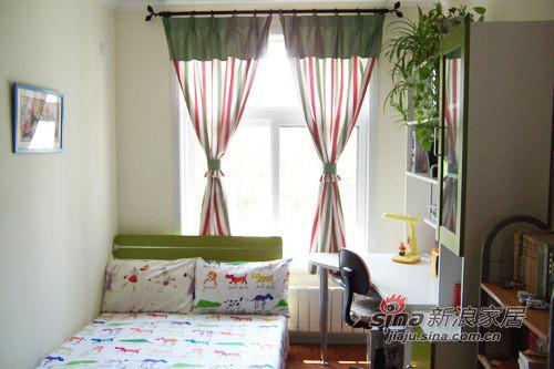 儿童房的窗帘。