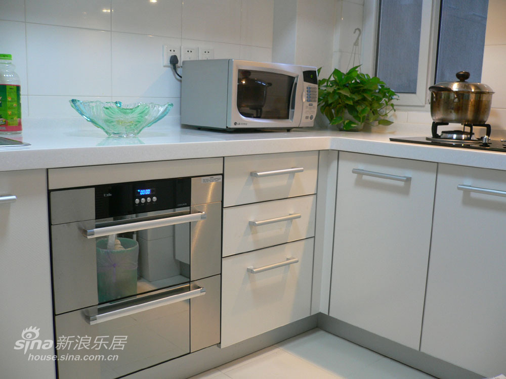 简约 二居 厨房图片来自用户2559456651在实景VS效果图现代简约29的分享