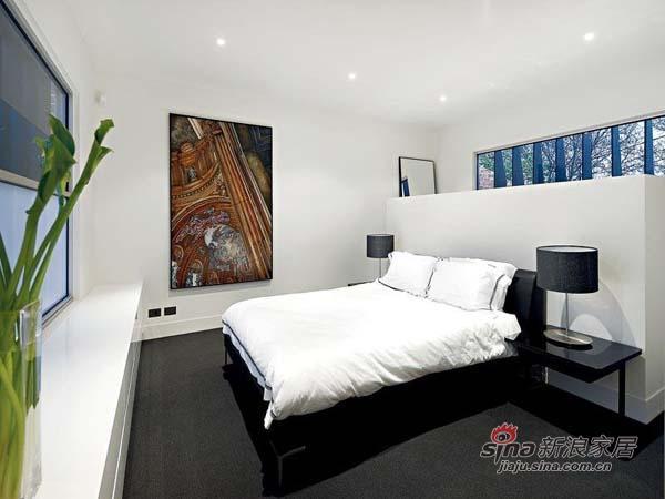 简约 别墅 卧室图片来自用户2738813661在单身男士超爱的硬朗明亮豪宅81的分享