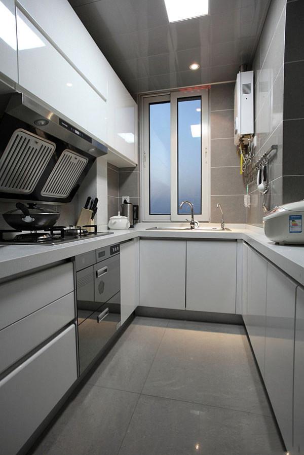 建议大家把厨房打造成这样的哦~很实用呢~水槽的位置基本都是放在窗户边上的