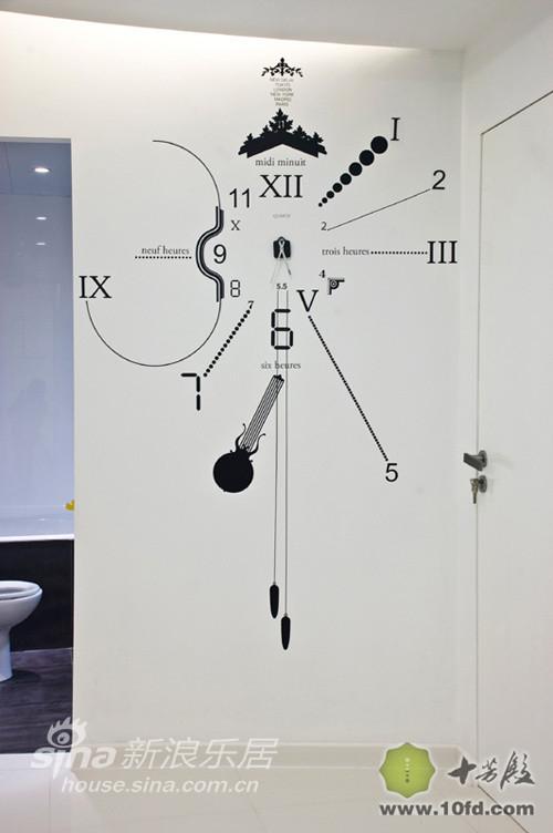 壁钟的设计给人眼前一亮的感觉
