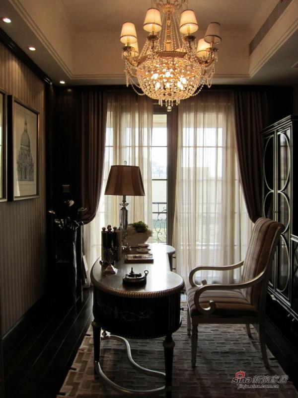 欧式 三居 书房图片来自用户2746948411在139平欧式范儿三居室74的分享