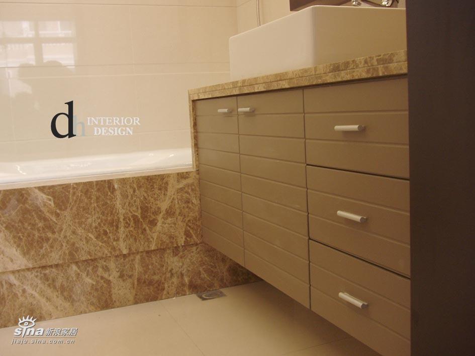 简约 别墅 卫生间图片来自用户2739378857在上海山水景苑--单身小别墅37的分享