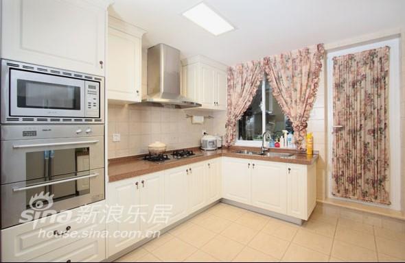 欧式 别墅 厨房图片来自用户2772856065在春亭装潢 简欧混搭幸福小镇78的分享
