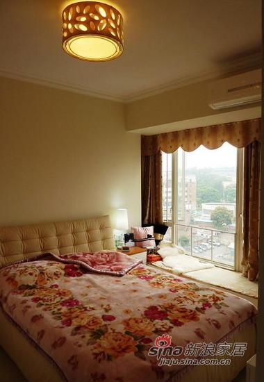 简约 二居 客厅图片来自用户2738829145在实拍80后婚房专属家居设计89平只花5万元!94的分享
