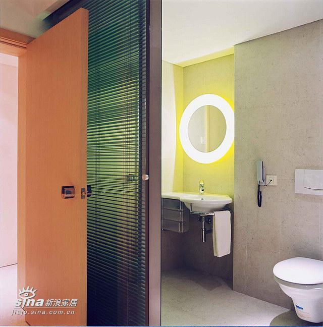 简约 跃层 卫生间图片来自用户2737950087在风格大气,清新,值得回味的作品!的分享
