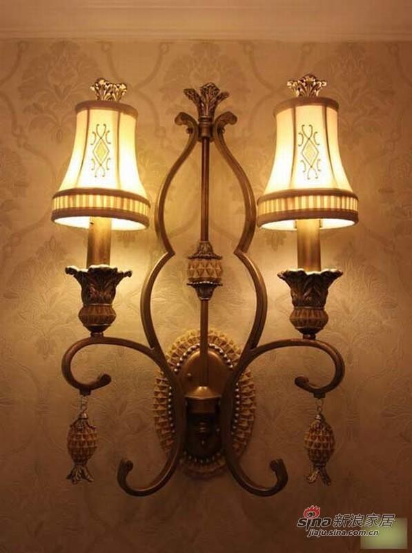 欧式 二居 客厅图片来自用户2772856065在18万装老板108平豪华欧式两居62的分享