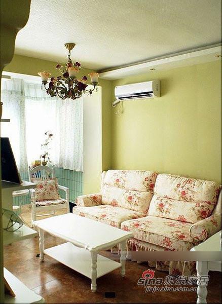 田园 二居 客厅图片来自用户2737791853在6万软装90平田园清新小窝81的分享
