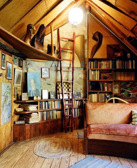 魔法的小屋。。。这个色调和布置,真是喜欢啊,那梯子也非常特别。